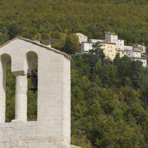 11-campanile-con-sfondo